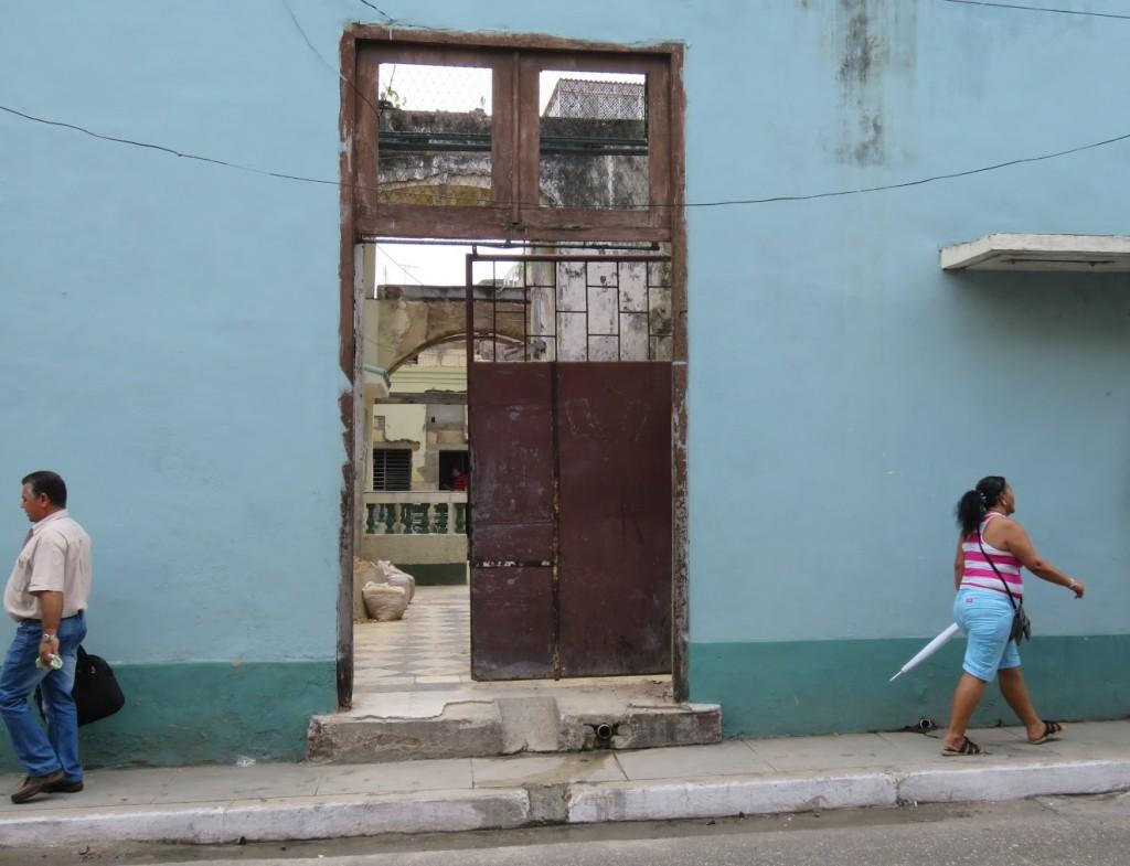 Cubans walk with purpose.
